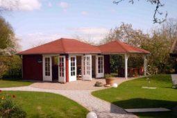 Gartenhaus mit Terassenüberdachung