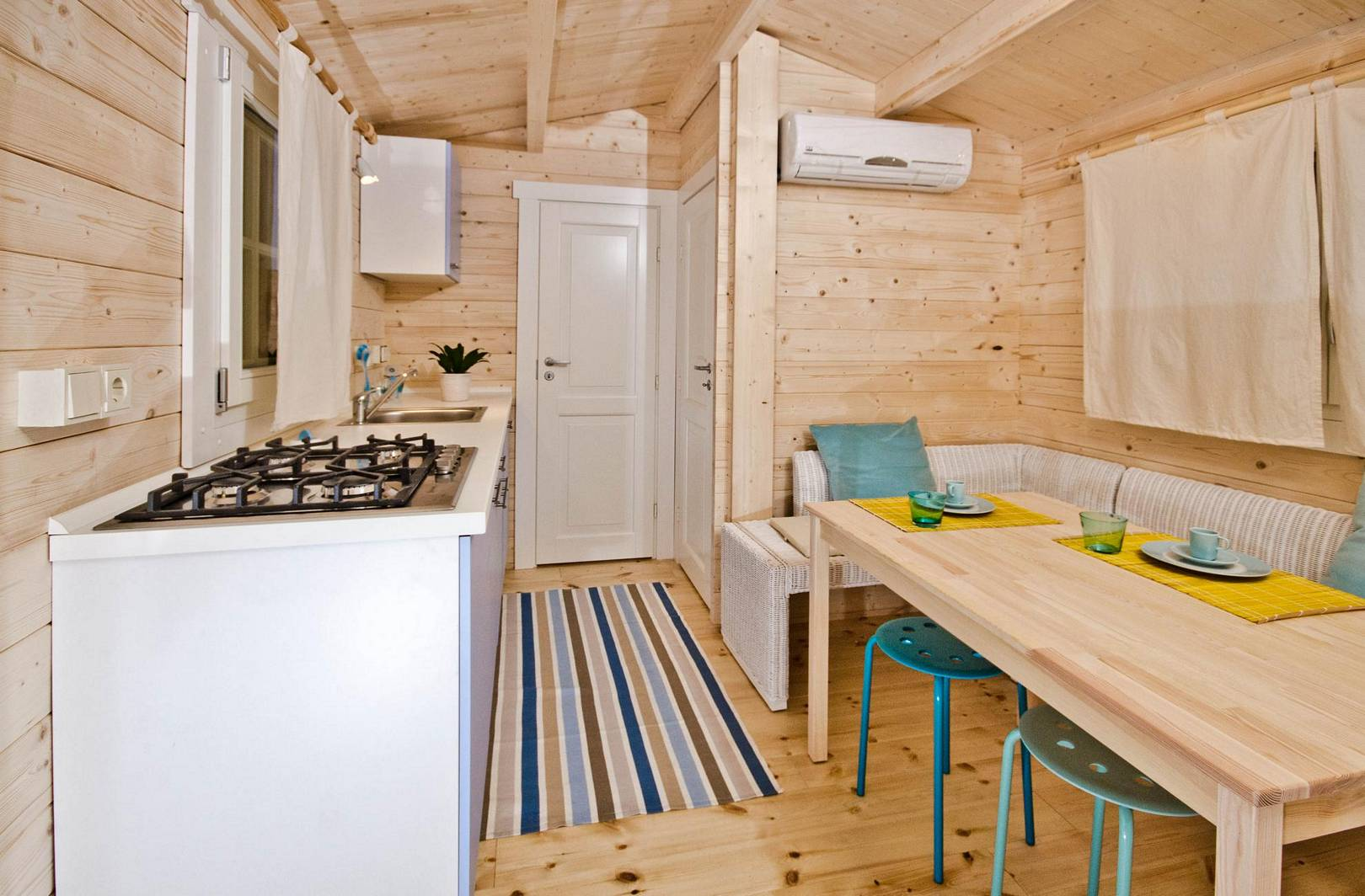 mobilheim lina. Black Bedroom Furniture Sets. Home Design Ideas
