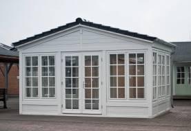 blockhaus von wdt holzhaus gartenhaus ferienhaus. Black Bedroom Furniture Sets. Home Design Ideas