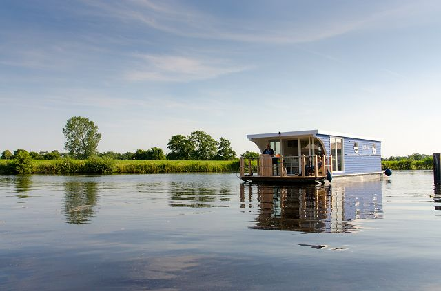 Urlaub auf dem hausboot dr jeschke for Klassisches hausboot mieten
